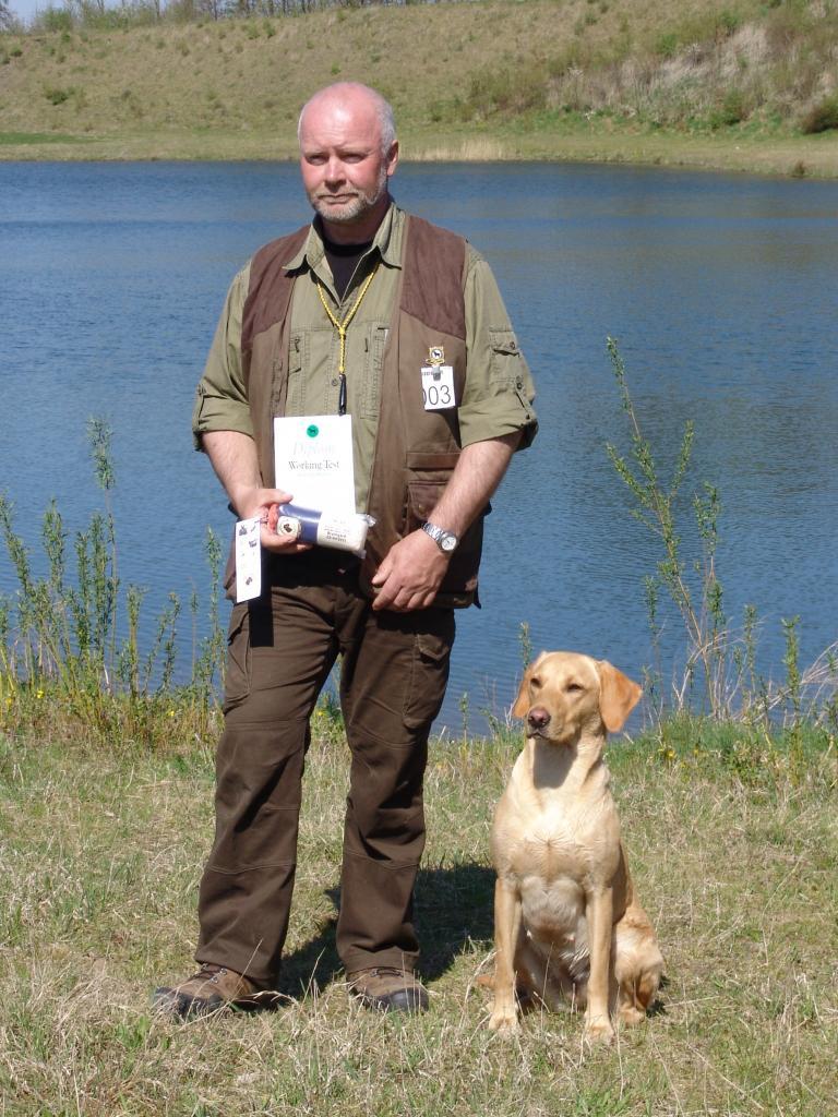 Fra Working test ved Ørumgaard 23-04-11. Frank Graversen og hunden 4RM2014 Ravensbank Fay (Fay). ©Ravensbank Labrador Retrievers